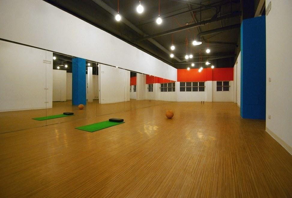 pavimenti tecnici resilienti per interno palestra