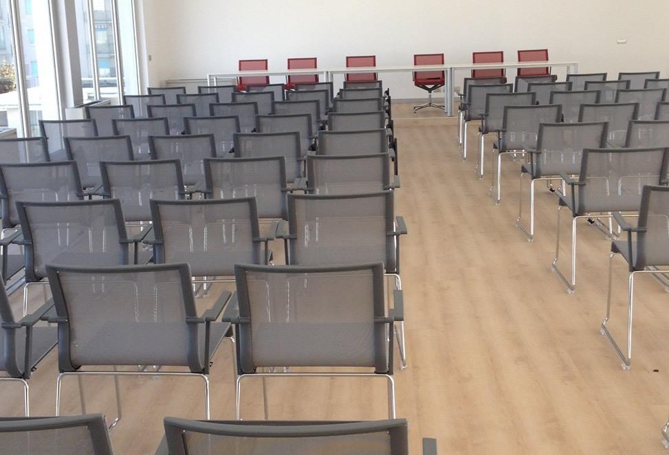 pavimenti tecnici sopraelevati sala formazione