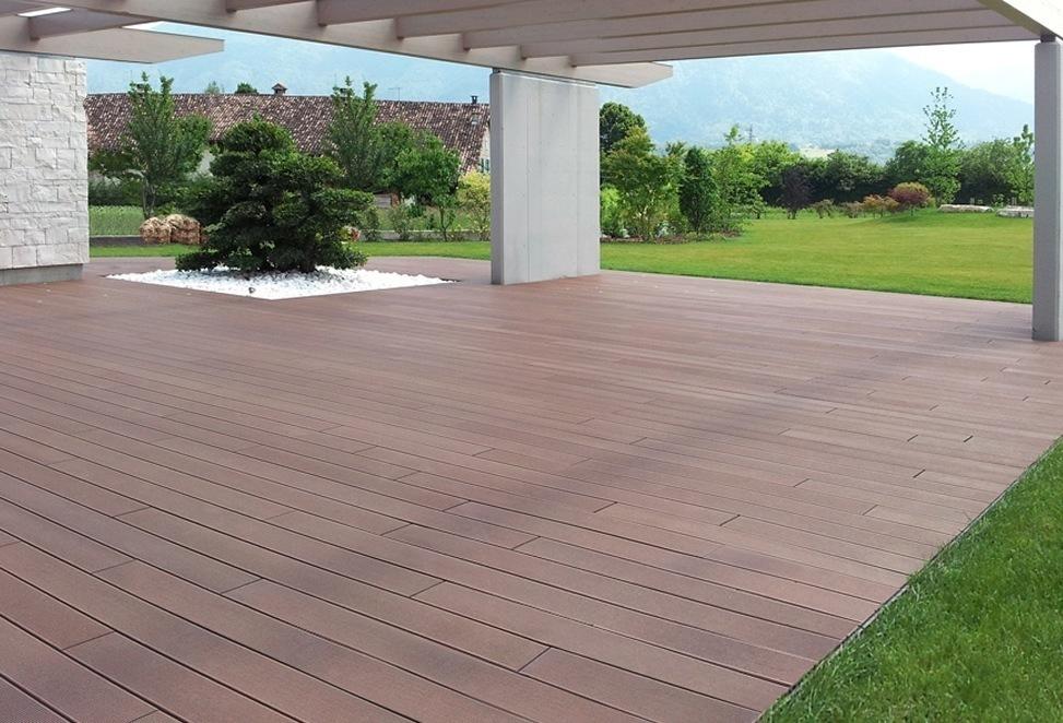 pavimento tecnico composito per esterno villa