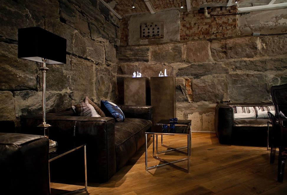 salotto in pietra naturale