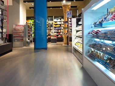 carrara mario pavimenti laminati interno negozio